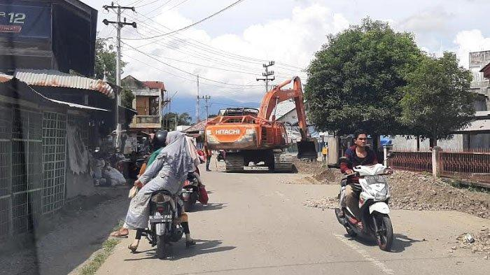 Hati-hati Jika Anda Melintasi Jalan Beureunuen-Tangse Bila tak Ingin Terjebak Kemacetan