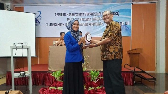 Misna Aura, Juara I Mahasiswa Berprestasi dan Mewakili Aceh ke Nasional