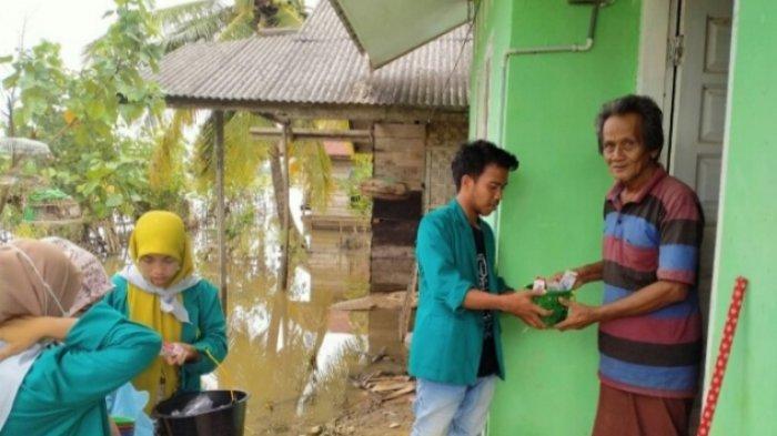 Mahasiswa Umuslim Peusangan Bakti Sosial di Lokasi Banjir Aceh Utara, Ini Kegiatan Mereka Tiga Hari