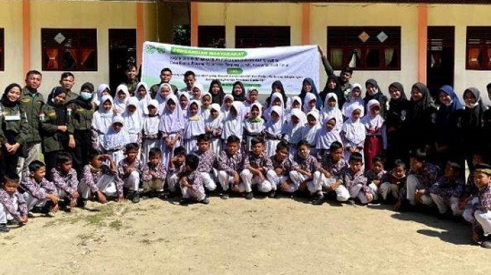 Mahasiswa Unsam Langsa KPM di Simpang Jernih, Ajari Warga Buat Sabun Cuci Piring dan Budidaya Ikan
