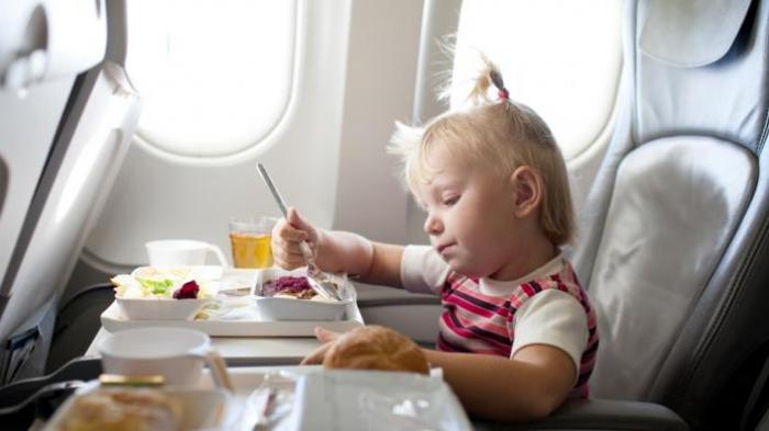Hindari Makanan Ini Sebelum Naik Pesawat