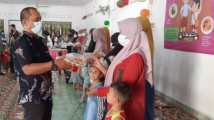 Ibu Hamil di Gampong Bireuen Meunasah Reuleut Dapat Paket Makanan Tambahan
