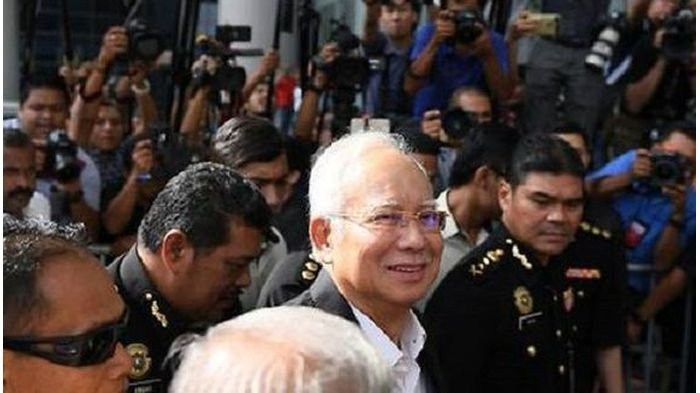 Najib Razak Terbukti Bersalah, Ia Didakwa Tujuh Dakwaan Sekaligus: Hukuman 140 Tahun Penjara Menanti
