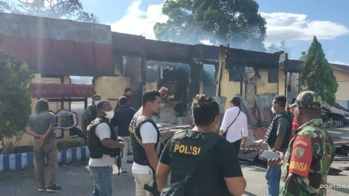 Aparat gabungan dari Polda Papua bersiaga meski situasi pascapembakaran Mapolsek Nimboran di Kabupaten Jayapura, berangsur kondusif.