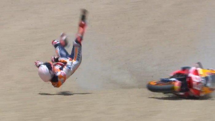 Marc Marquez terjatuh saat balapan MotoGP Spanyol di Sirkuit Jerez, Minggu (19/7/2020).(Dok. Twitter MotoGP)