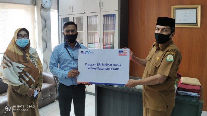 Program BRI Melihat Dunia, Bagi 150 Kacamata Gratis di Banda Aceh dan Aceh Besar