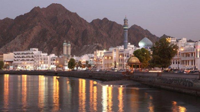 Oman Akan Izinkan Jamaah Divaksinasi Shalat Jumat di Masjid