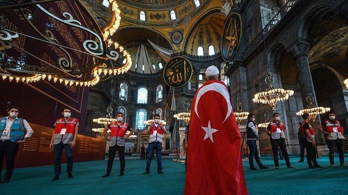 Hagia Sophia Jadi Masjid, Majalah Turki Minta Kekhalifahan Islam, Warga Tafsir Seruan kepada Erdogan