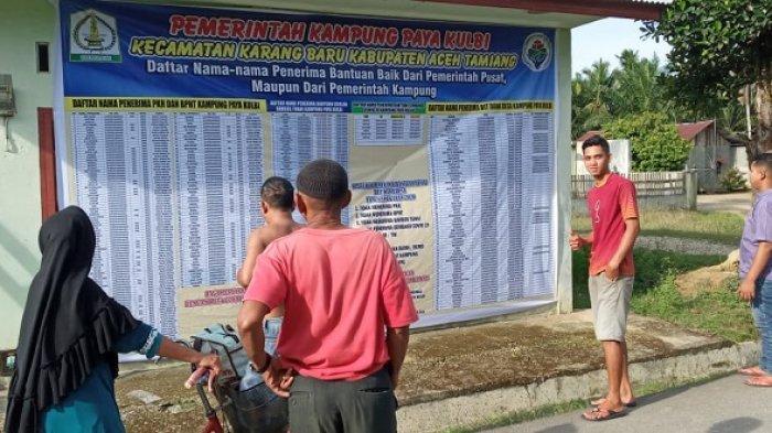 Layak Ditiru, Datok Penghulu di Aceh Tamiang Pajang Nama Penerima Bansos di Baliho Raksasa