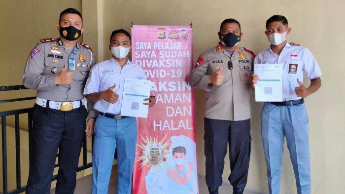 Polres Aceh Utara Bersama Dinas Kesehatan Vaksin Siswa ke Sekolah