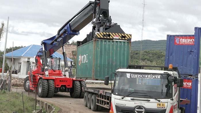 Trans Continent Tarik Alat Kerja dari KIA Ladong