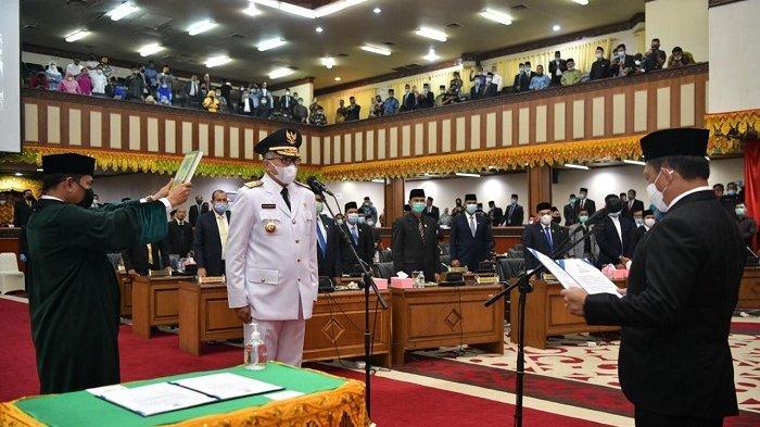 Dilantik sebagai Gubernur Aceh, Nova Sampaikan Terima Kasih kepada Irwandi Yusuf