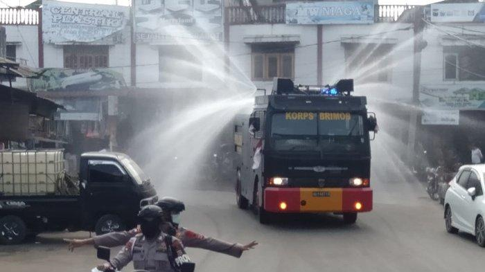 Cegah Corona, Pusat Keramaian di Aceh Timur Disemprot Disinfektan