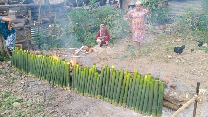 Memasak Lemang, Tradisi Sambut Lebaran Idul Adha di Aceh Tenggara