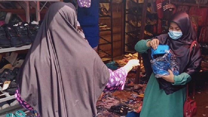 BUMN dan MRI Bagikan Masker di Aceh Selatan