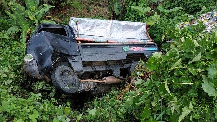 Diduga Macet Setir, Mobil Carry Masuk Jurang di Bener Meriah