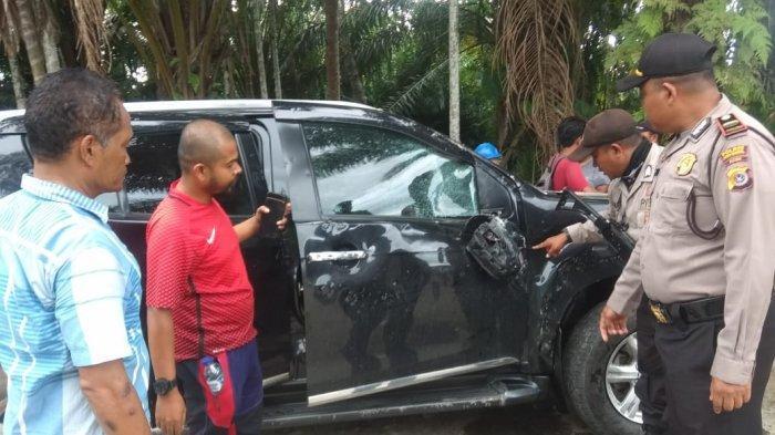 Diduga Ucapkan Kata Kasar, Massa Rusak Mobil di Dah, Subulussalam
