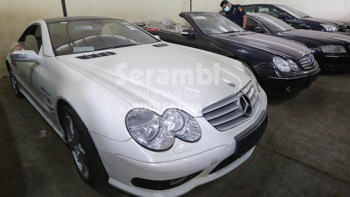 FOTO-FOTO : Bea Cukai Banda Aceh Lelang 59 Unit Mobil Mewah, Ada Lamborghini dan Mini Cooper - mobil-mewah-3.jpg
