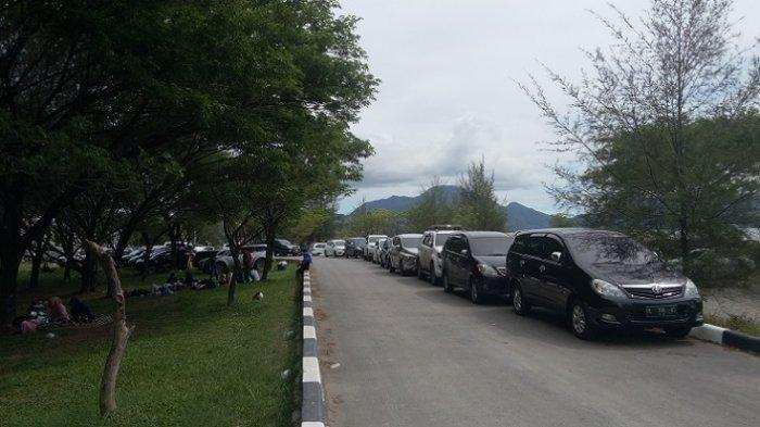 Takut Tak Terangkut Ratusan Mobil Wisatawan Dititip Di Pelabuhan Ulee Lheue Banda Aceh Serambi Indonesia