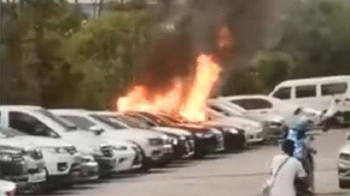 Kebakaran Mobil Tewaskan Dua Anak, Ayah Korban Banjir Hujatan Karena Lakukan Hal Ini