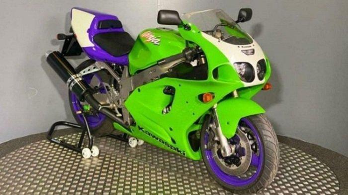 Motor Sport Klasik Kawasaki ZX7-RR Tetap Bernilai Tinggi, Menyamai Harga Baru