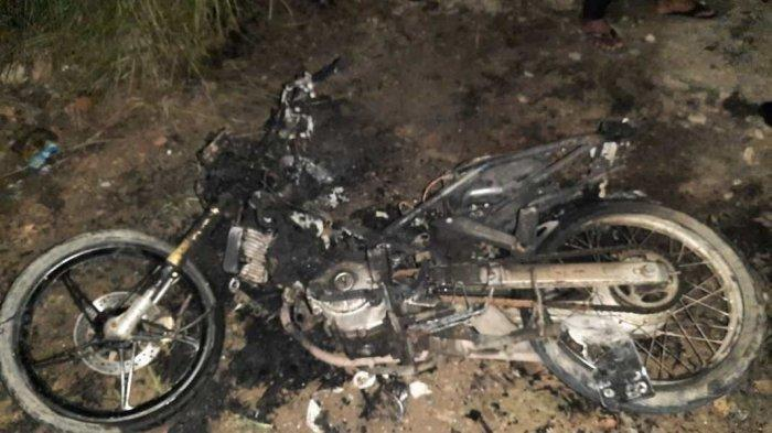 Geram Suaminya Jarang Pulang ke Rumah, Istri Bakar Sepeda Motor Suami