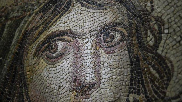 Amerika Kembalikan Potongan Mozaik 'Gadis Gipsi' ke Turki