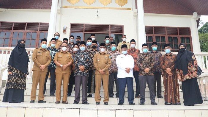 Bupati Lantik Pengurus MPD Aceh Selatan Periode 2021-2026