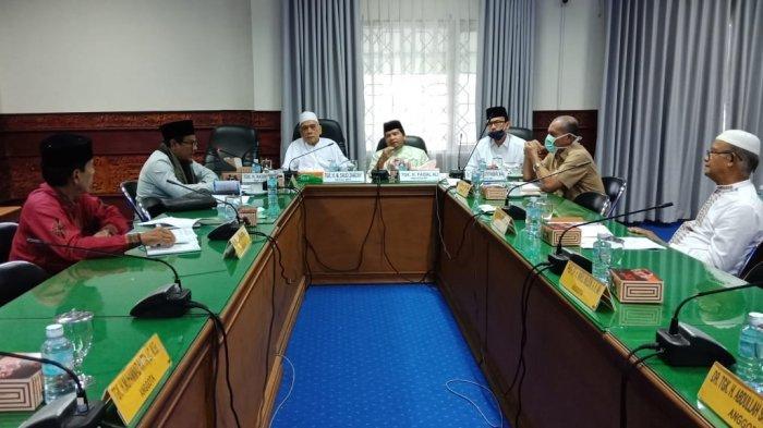 BREAKING NEWS - MPU Aceh Perbolehkan Ganti Shalat Jumat dengan Shalat Zuhur di Rumah