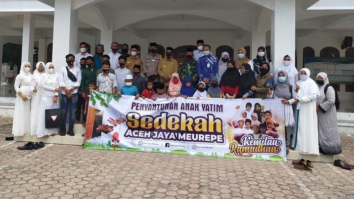 Himpun Donasi Hingga 60 Juta Aceh Jaya, Meuripe Serahkan Bantuan Kepada 171 Anak Yatim