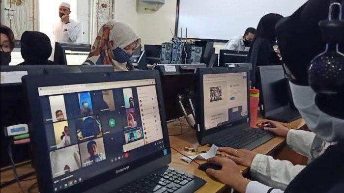 MTsN Model Banda Aceh Laksanakan PBM Tatap Muka Secara Virtual