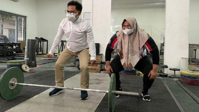 Aksi Muhaimin Iskandar Tak Sanggup Angkat Besi di Depan Nurul Akmal: Belum Latihan, Khawatir Encok