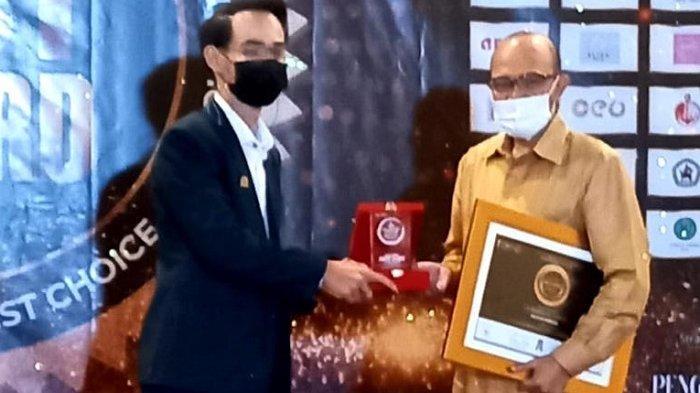 Mantan Wagub Aceh Muhammad Nazar Raih Penghargaan