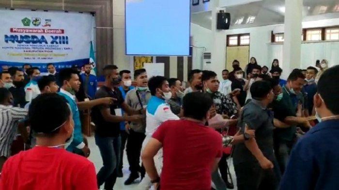 Musda KNPI Pidie Ricuh, Peserta Saling Dorong, Pemilihan Ketua Ditunda, Ini Pemicunya