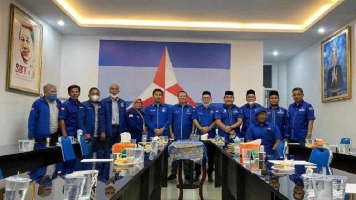 Muslim Resmi Mendaftar Calon Ketua DPD Partai Demokrat Aceh