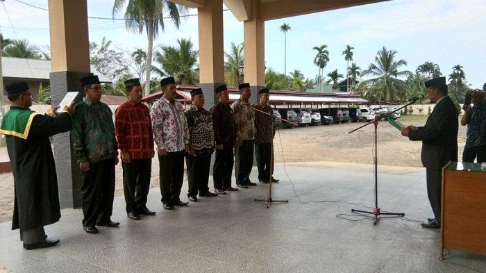 Enam Pejabat Eselon IV Kemenag Aceh Utara Dilantik pada Jabatan yang Sama