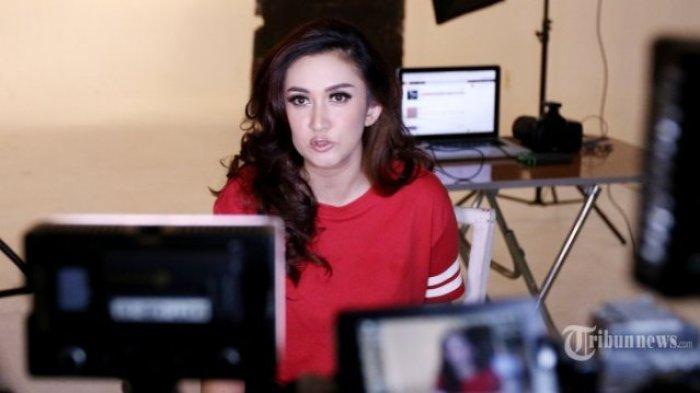 Nafa Urbach Diteror Oknum Pinjaman Online, Ada Apa?  Ancam Bakal Lapor Polisi