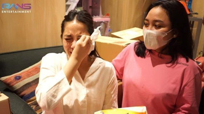Jalan-jalan Pakai Sepatu Seharga Rp 10 Jutaan, Nagita Dikomentari Netizen: Duitnya Nggak Habis-habis