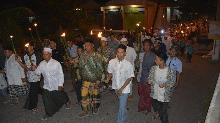 Ratusan Warga Keliling Kampung di Aceh Barat, Baca Nazam dan Doa Agar Dijauhkan dari Wabah Corona