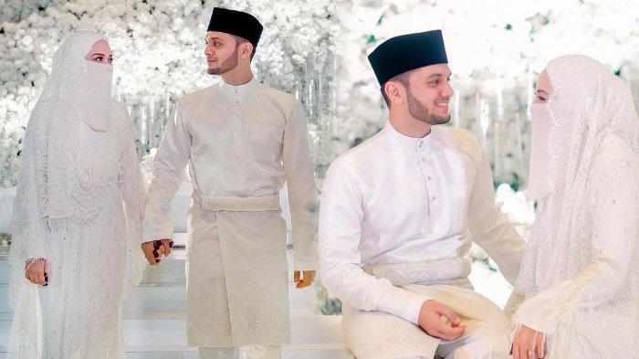 Artis terkenal Malaysia, Noor Neelofa Mohd Noor atau Neelofa melangsungkan pernikahan dengan seorang pria bernama Haris Ismail pada 27 Maret 2021