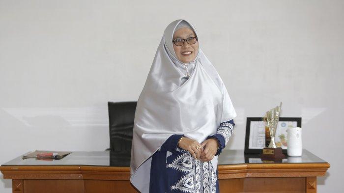 Nikmah Sarkawi Konsen Lestarikan Tikar Khas Gayo