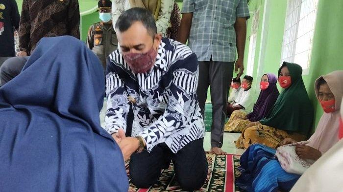 Sambut Meugang Idul Fitri, 2.877 Lansia di Aceh Jaya Terima Bantuan