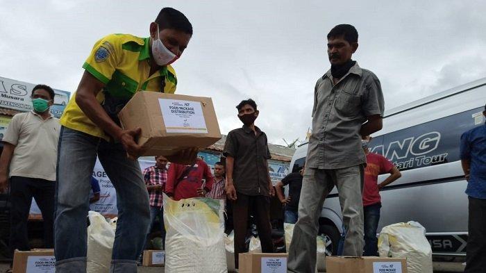 Jelang Idul Fitri, ACT Aceh Salurkan Bantuan Pangan untuk Sopir Angkutan