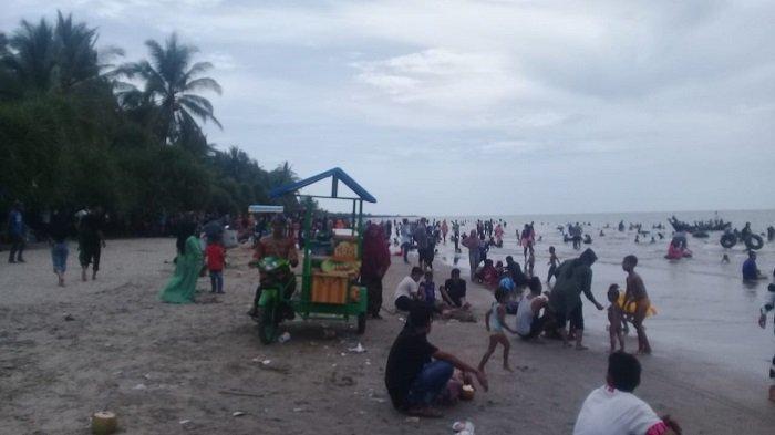 Pengunjung Pantai di Aceh Timur Dirapid Test, Ini Hasilnya