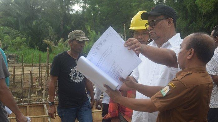 Pantau Proyek di Pijay, Komisi IV DPRA Pertanyakan Plot Dana dengan Spek Pekerjaan