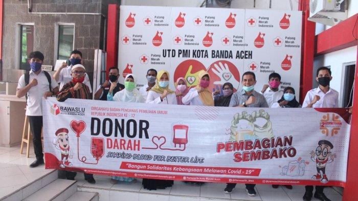 Panwaslih Banda Aceh Gelar Donor Darah Dirangkai Bagi Sembako untuk Warga Kurang Mampu