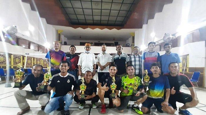 Pasangan Munjir/Heri Juara Liga Badminton Ramadhan Cup RRI Banda Aceh 2021