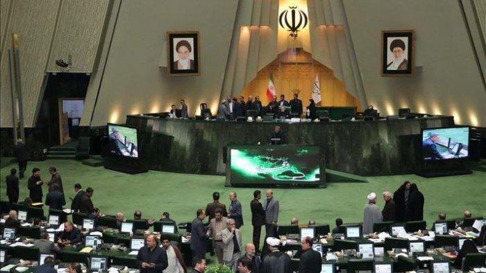 Parlemen Iran Tetapkan Pentagon dan Angkatan Darat AS sebagai Teroris