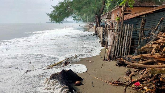 Parah, Warga Pesisir Kembang Tanjong Pidie Diterjang Pasang Purnama, Air Menerjang Masuk ke Rumah