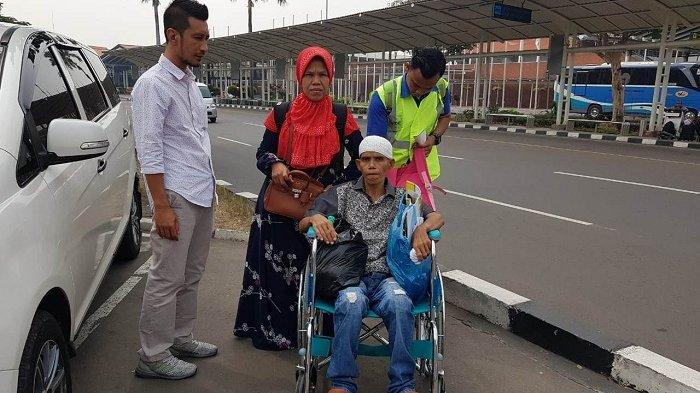 Haji Uma dan BPPA Bantu Pemulangan Pasien Kanker Hati ke Aceh